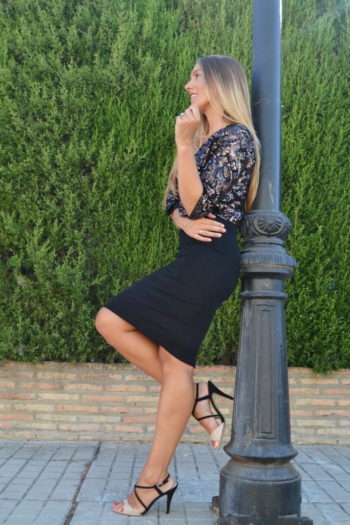 Vestido negro básico de Zara