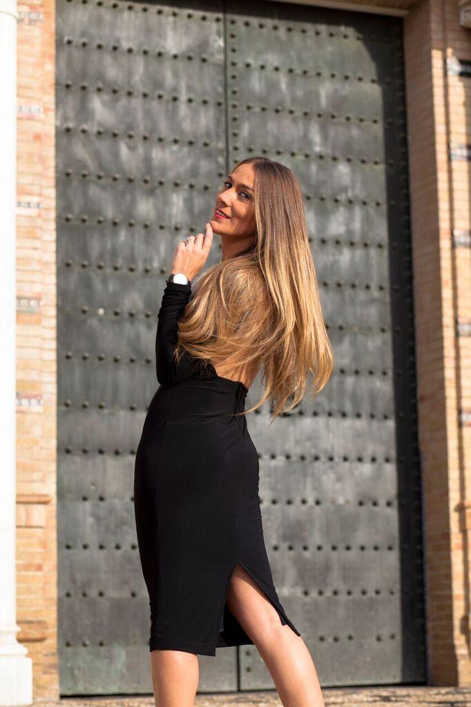 abierto por detrás vestido clásico negro