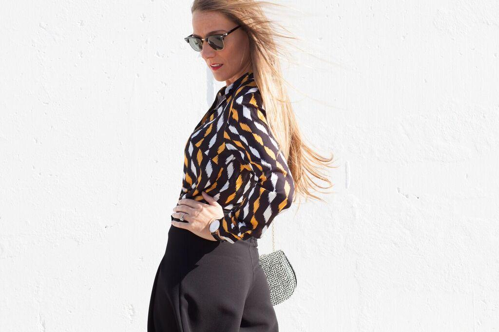 blusa mostaza estampados geométricos