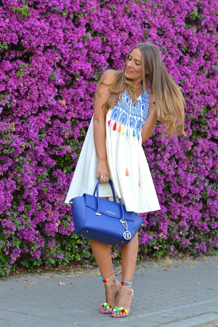 Vestido alegre de color ideal para el verano