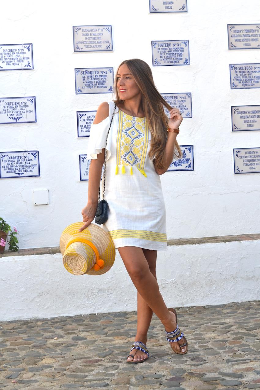 Vestido Sheinside con bordado amarillo