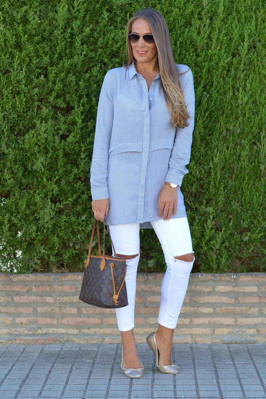 segundo look camisa larga y jeans