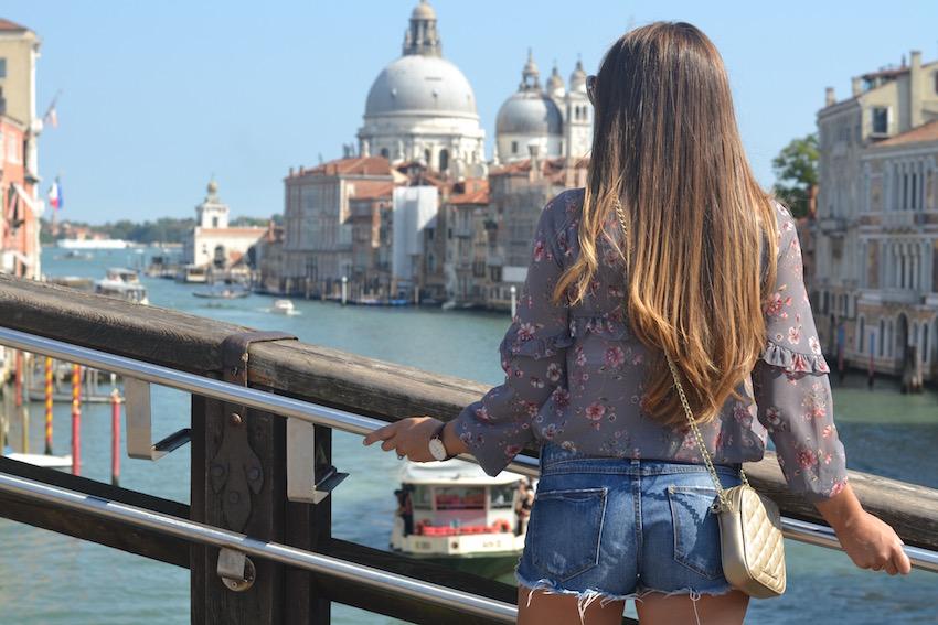 En Veneci con mi nueva blusa Cayro Woman
