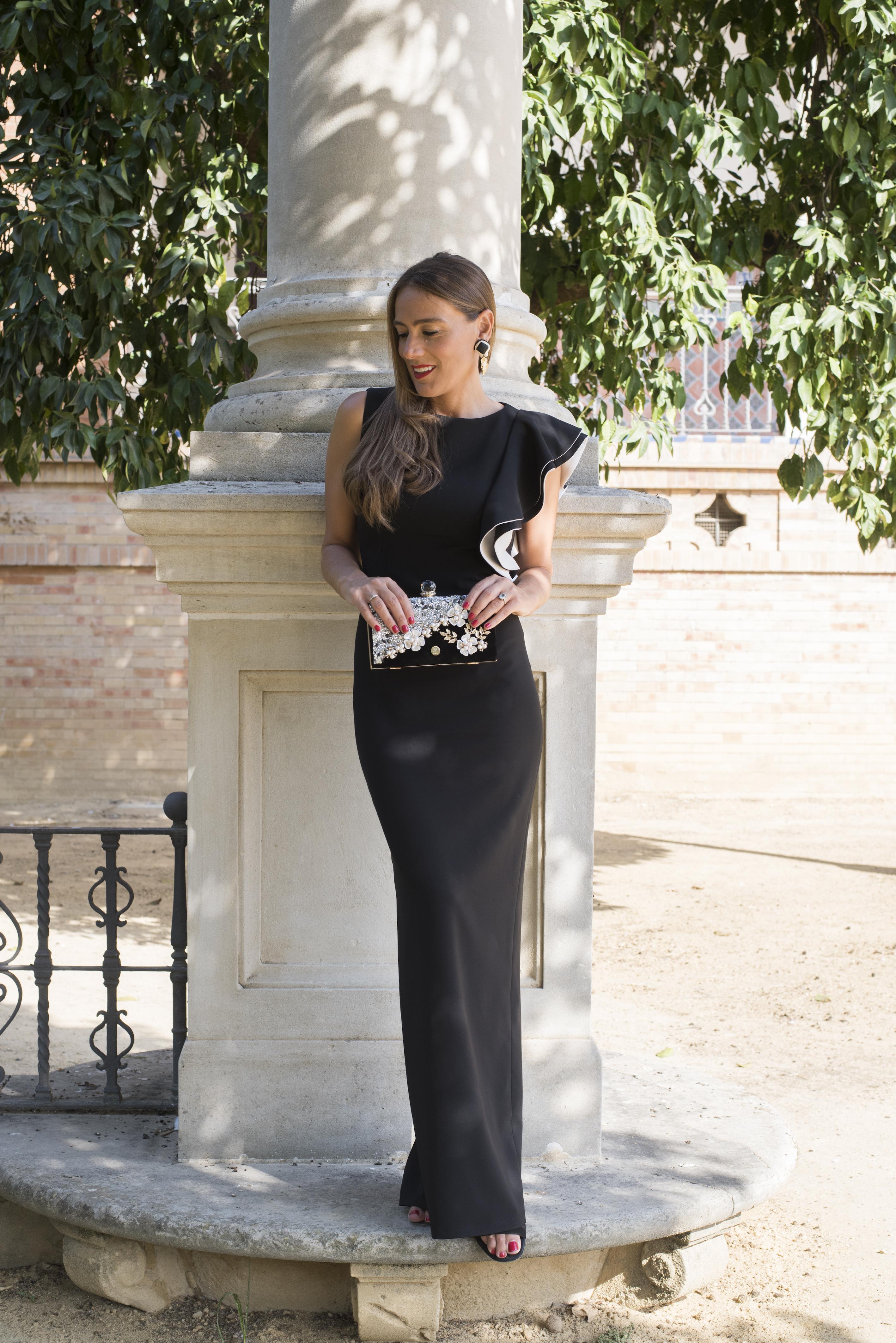 Vestido negro, la apuesta perfecta para eventos de noche